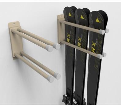 Вешалка-вилка для лыж и сноубордов.